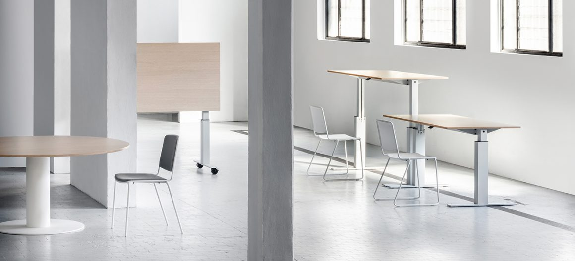The Follow tables collection acknowledged for its uniqueness and technological excellence