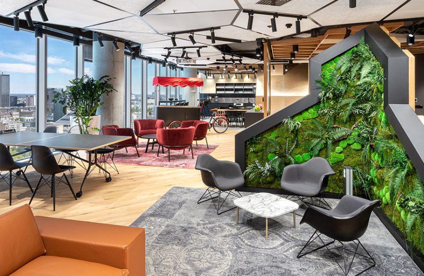 Des meubles de Mara dans les gratte-ciel de The Warsaw Hub