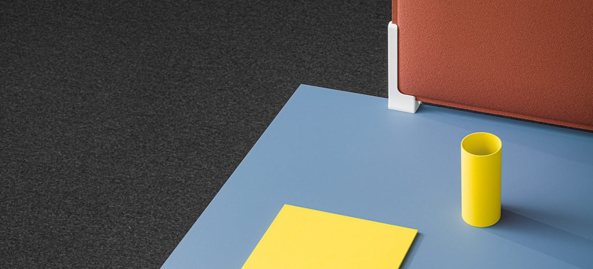 Follow Me, the table that follows you and brings functionality from the office to home